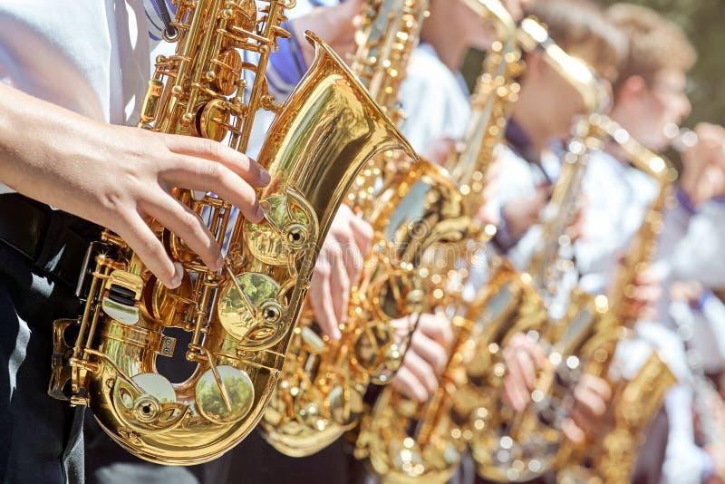 Крупный план группы в составе саксофонисты стоковое фото rf
