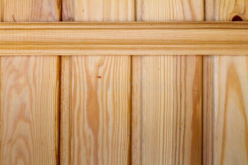 Крупный план деревянных доск прикрепленных распоркой, темой экологического дружелюбия стоковые фото