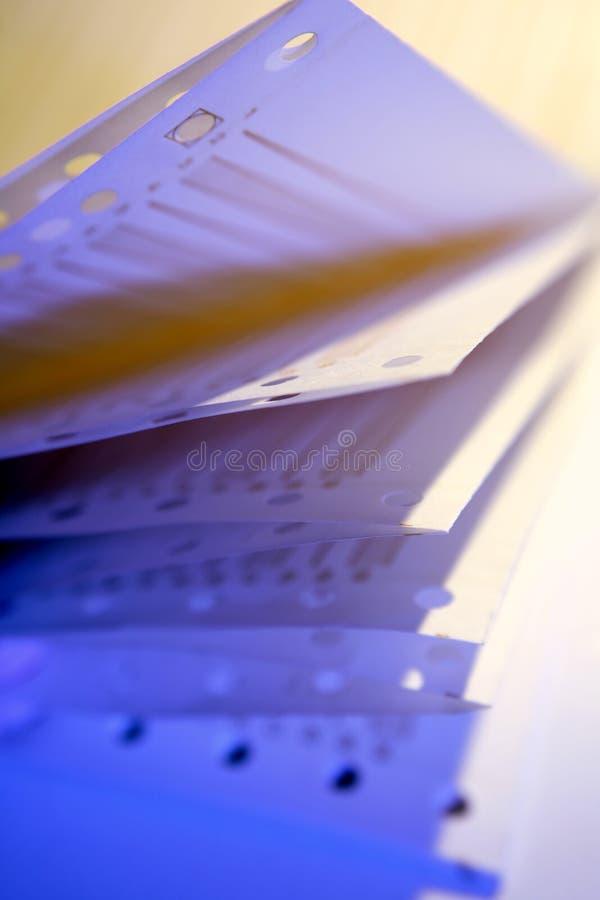 крупный план завертывает печатание в бумагу стоковое изображение rf