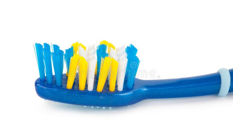Крупный план зубной щетки с неровной круглой щетинкой подсказки стоковые изображения rf