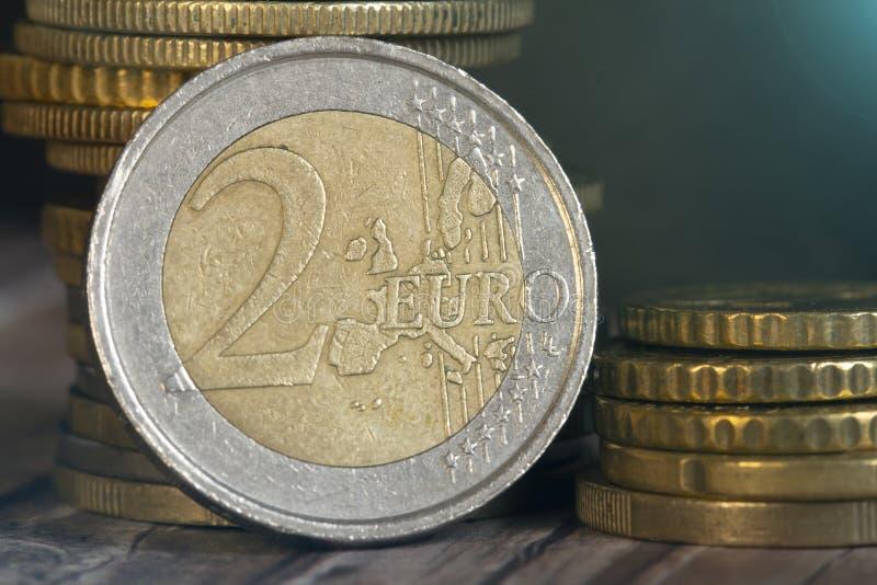 Крупный план монетки евро 2 стоковое изображение rf