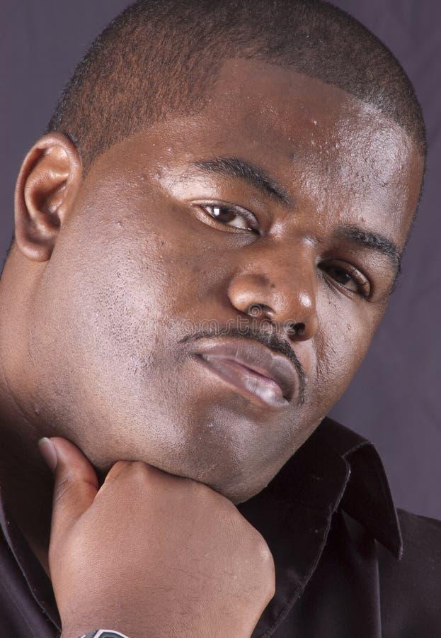 Крупный план мужчины афроамериканца стоковое фото
