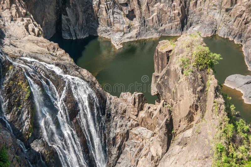 Крупный план, падения Barron в национальный парк ущелья Barron, Kuranda Австралию стоковое изображение