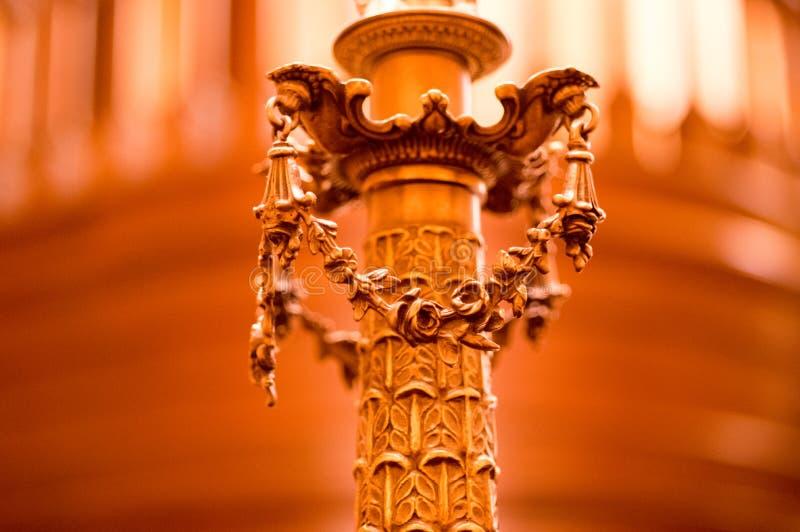 Крупный план светлого держателя лампы в капитолии sacramento стоковое изображение rf