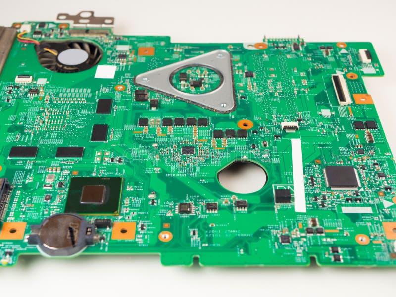 Крупный план снятый зеленой платы с печатным монтажом - PCB стоковая фотография rf