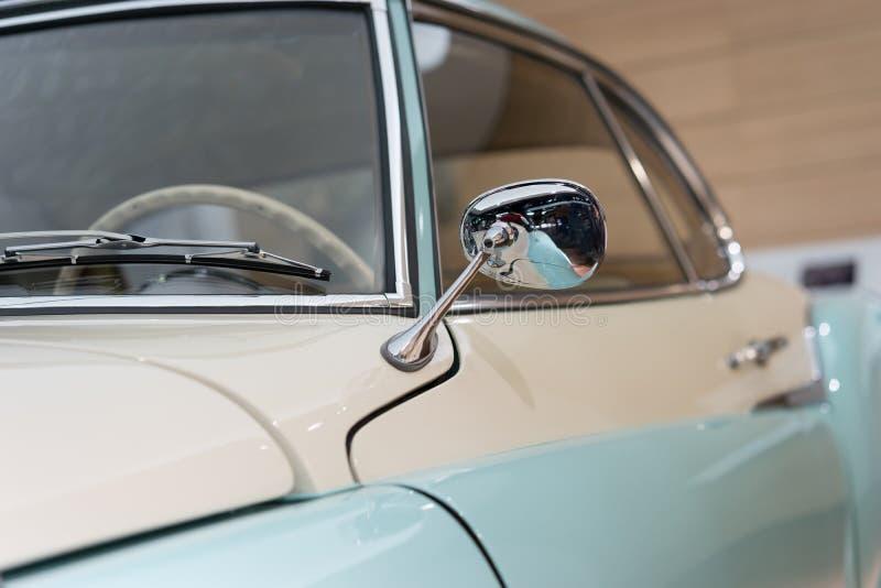 Крупный план старого автомобиля, jsabella Brgward стоковое фото rf