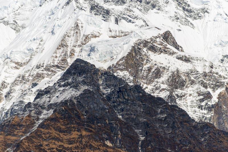 Крупный план высокой горы стоковое изображение