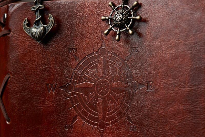Крупный план кожаной обложки книги стоковое изображение rf