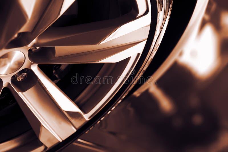 Крупный план колеса автомобиля сплава стоковые фотографии rf