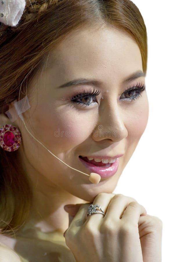 Крупный план красивый усмехаться женщины обслуживания клиента дела стоковые фото