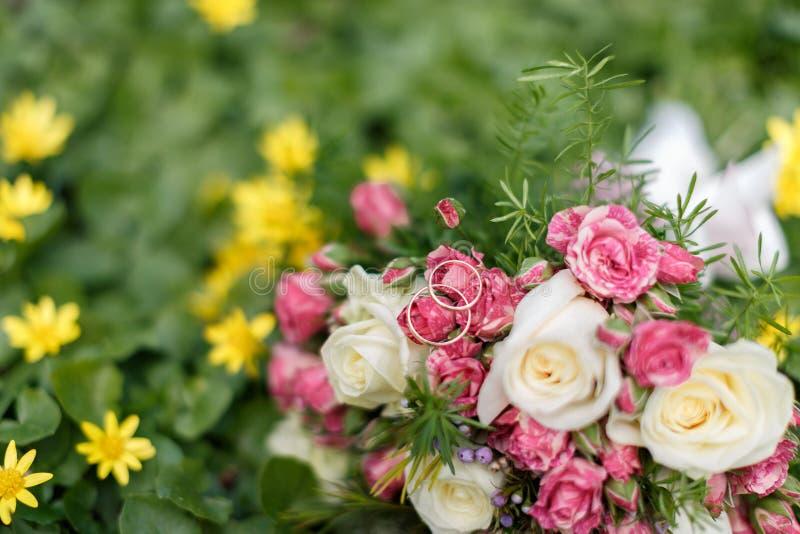 Крупный план снятый красивого букета свадьбы стоковые фотографии rf