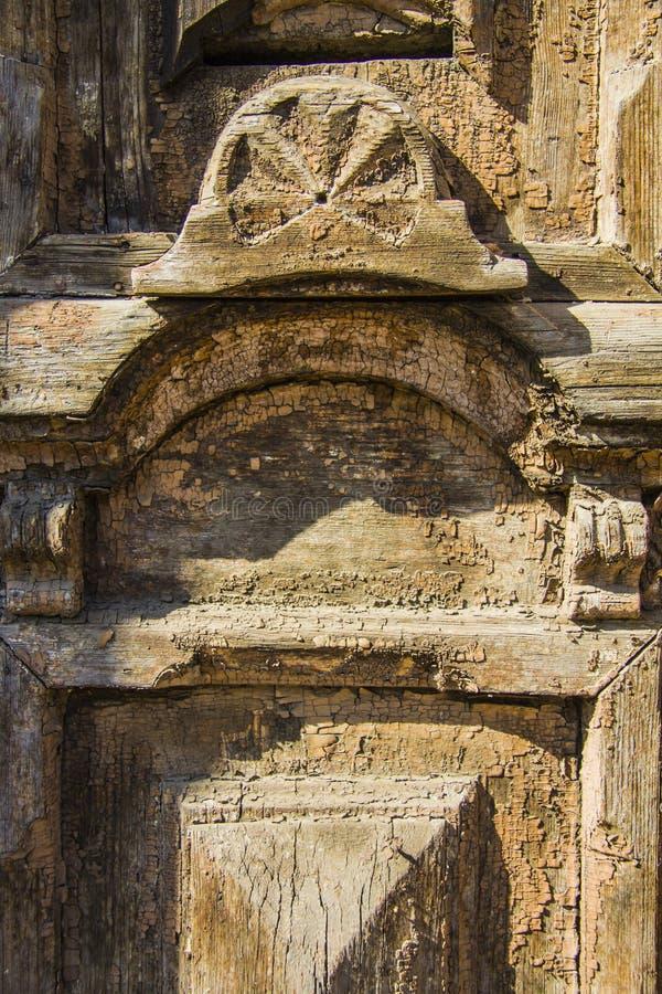 Крупный план старых дверей стоковые изображения