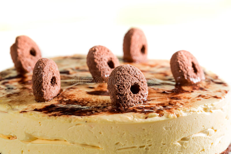 Крупный план сладостного торта печенья с всеми печеньями стоковое изображение rf