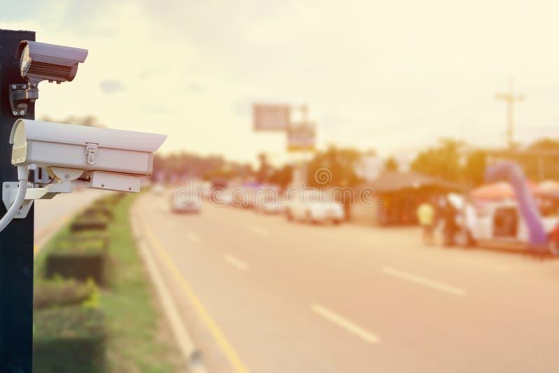 Крупный план CCTV наблюдения камеры слежения движения на дороге стоковое фото