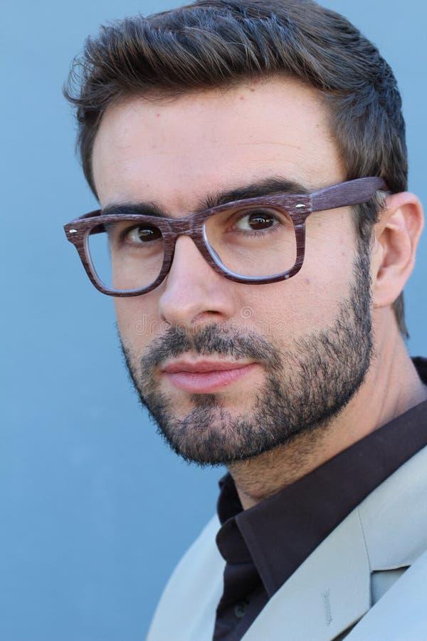 Крупный план eyeglass шикарного человека нося стоковое изображение