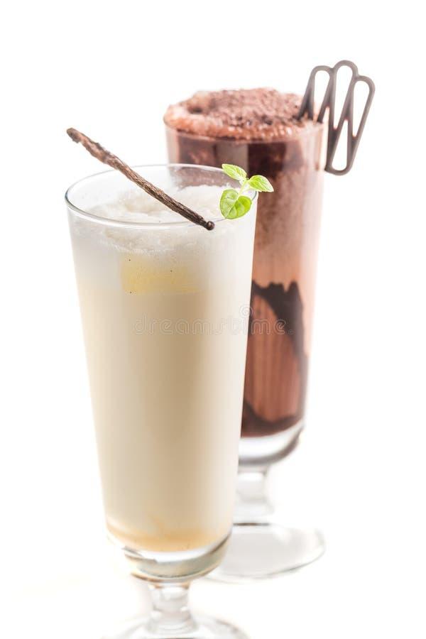 Крупный план smoothies шоколада и ванили стоковое изображение