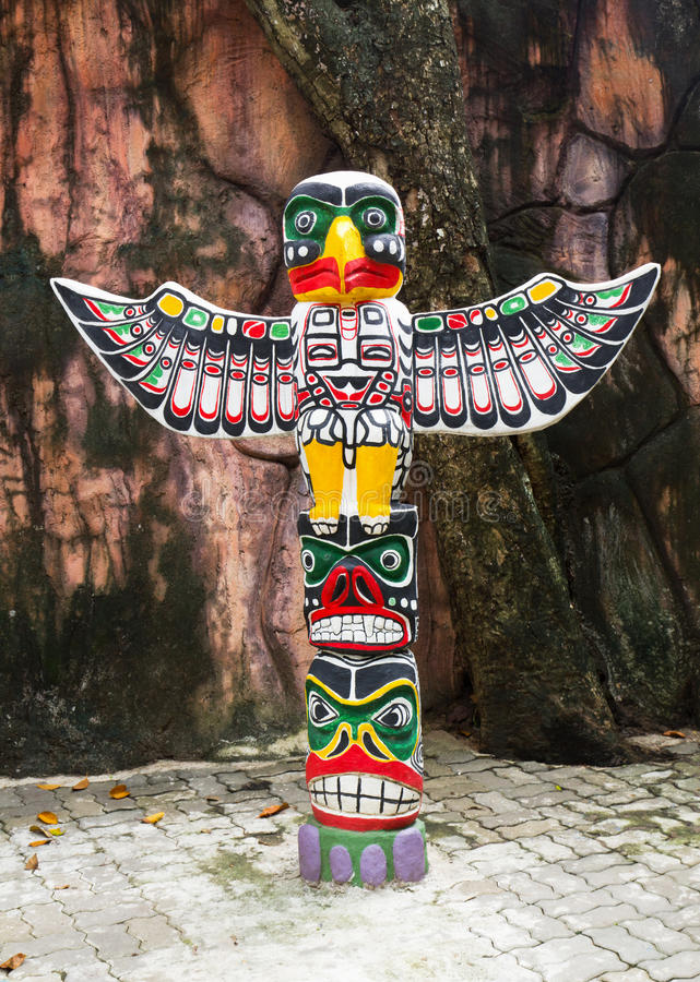 крыла totem полюса орла стоковая фотография
