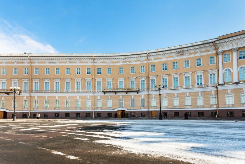крыло здания генерального штаба на квадрате дворца стоковое фото rf