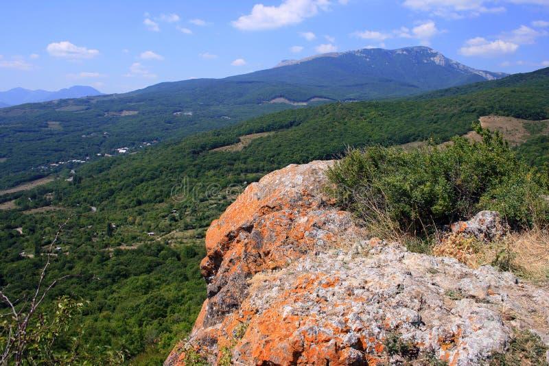 Крымские горы около Alushta в августе стоковая фотография