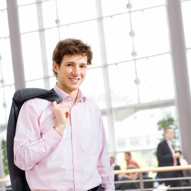 крытое бизнесмена счастливое стоковая фотография rf