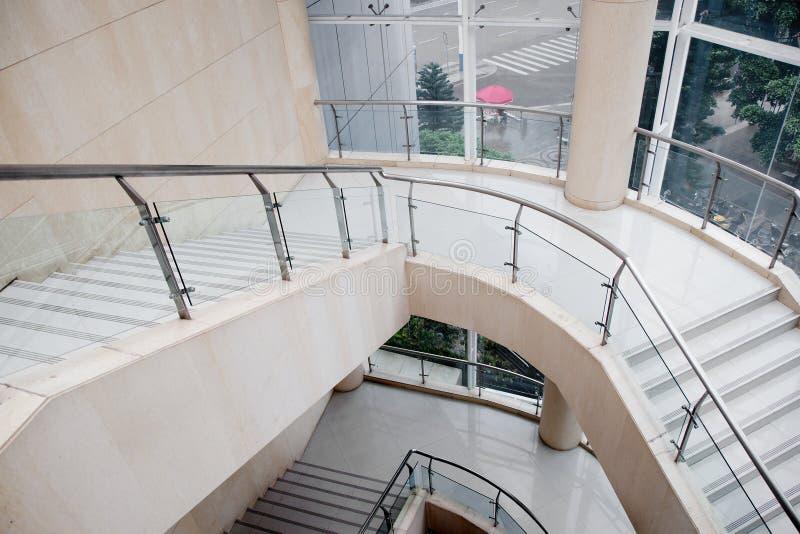 Крытые лестницы стоковые изображения