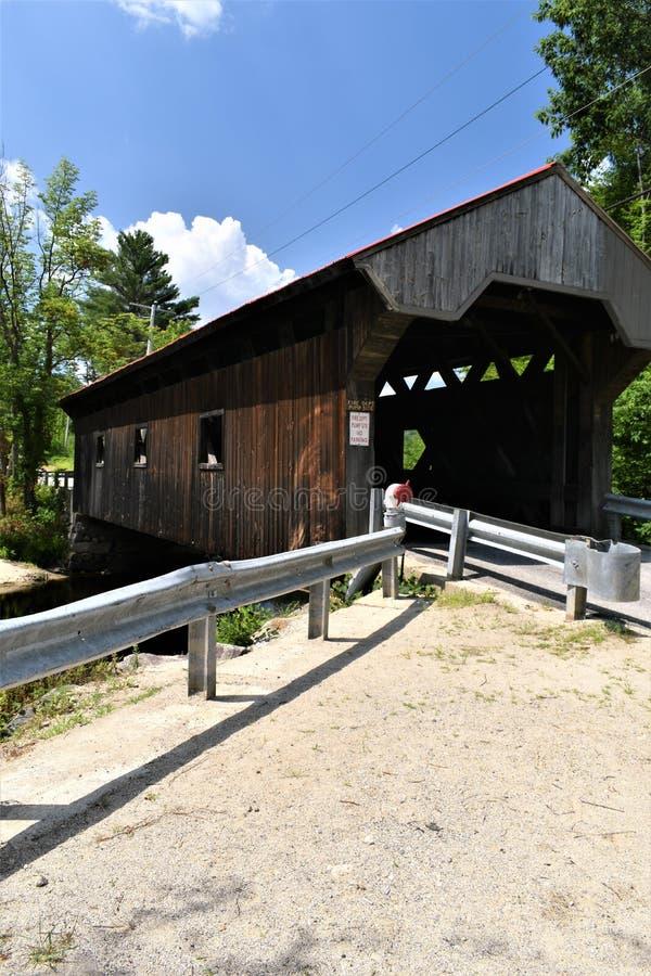 Крытый мост Ватерлоо, городок Warner, Merrimack County, Нью-Гэмпшир, Соединенных Штатов, Новой Англии стоковые изображения rf