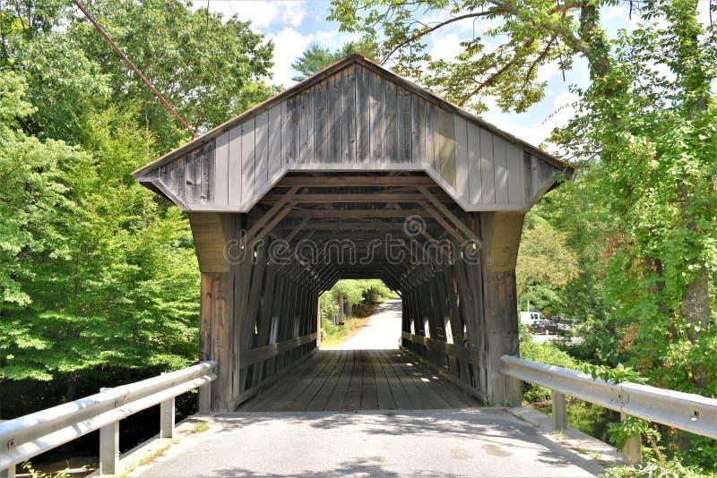 Крытый мост Ватерлоо, городок Warner, Merrimack County, Нью-Гэмпшир, Соединенных Штатов, Новой Англии стоковое изображение rf