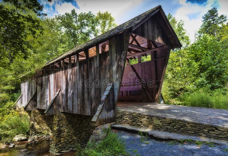 Крытый мост в Северной Каролине стоковые изображения