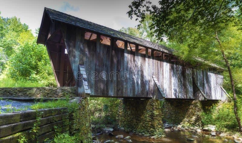 Крытый мост в Северной Каролине стоковое изображение rf