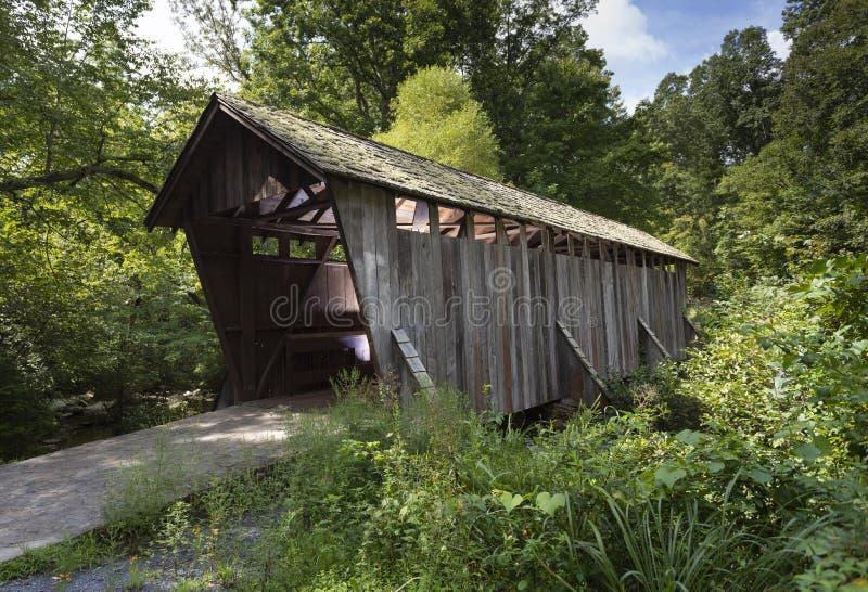 Крытый мост в Северной Каролине стоковое фото rf