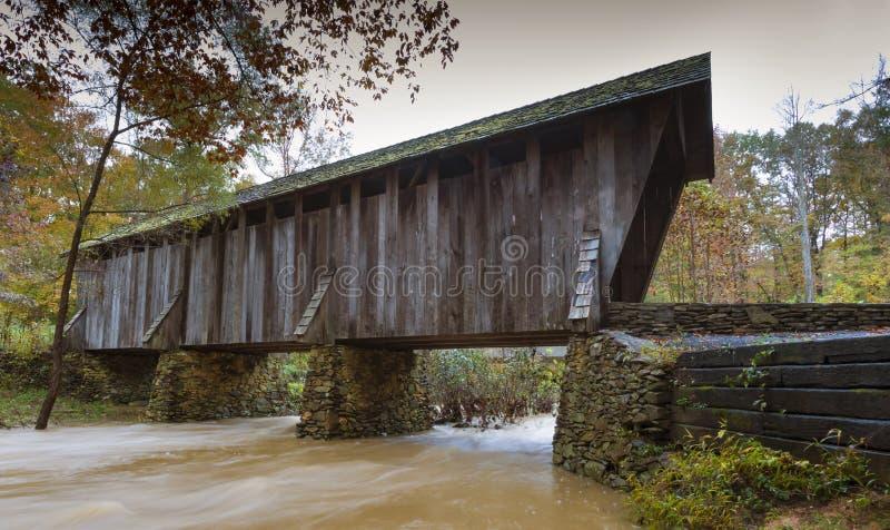 Крытый мост Pisgah в Северной Каролине стоковые фото