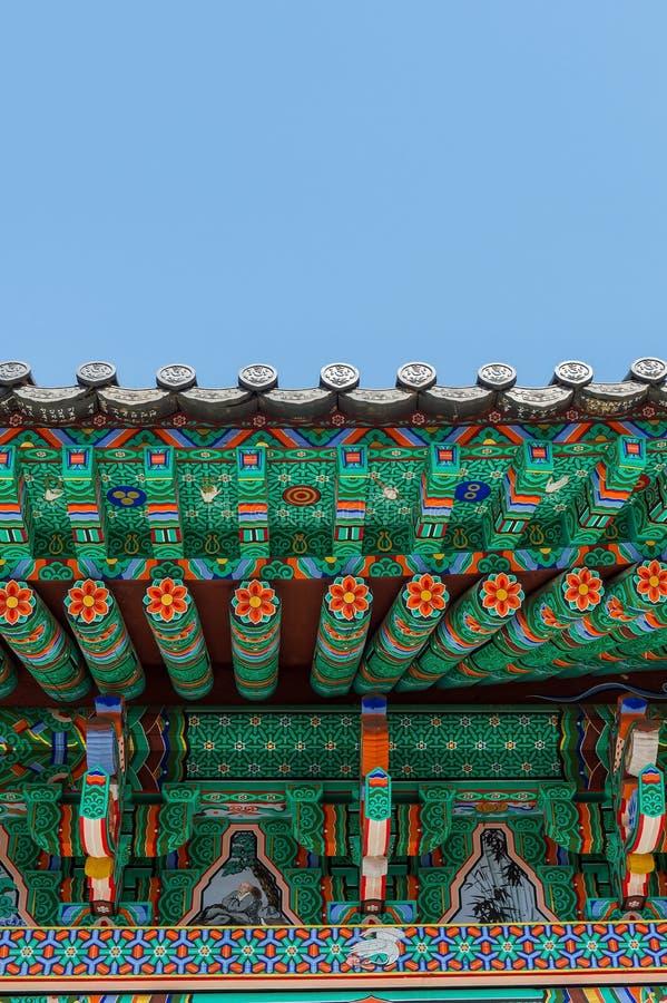 Крыша дворца Gyeongbokgung в Корее стоковые фото