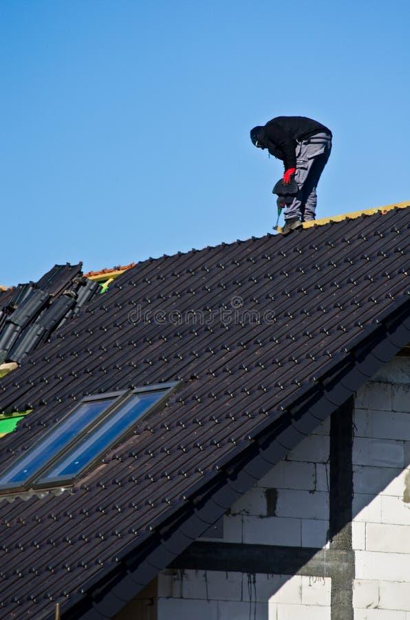 крыша конструкции вниз стоковые фотографии rf