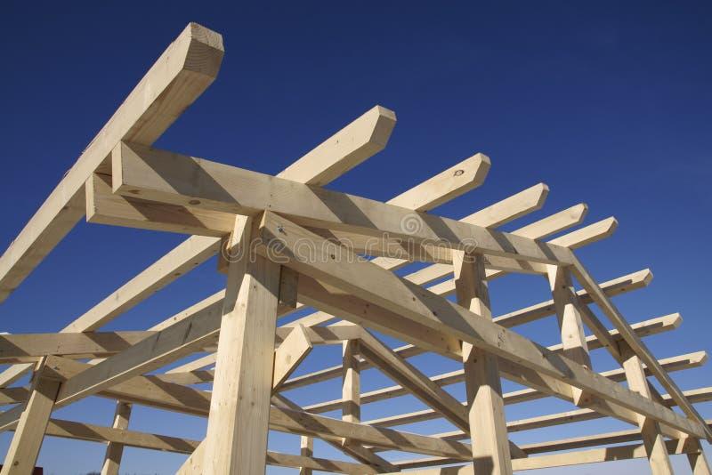 крыша конструкции под деревянным стоковая фотография rf