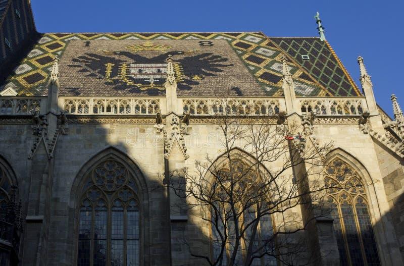 Крыша мозаики собора ` s St Stephen в вене стоковые изображения rf