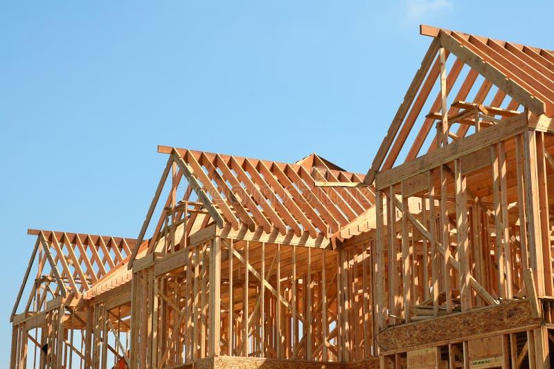 крыша рамки деревянная стоковое изображение rf
