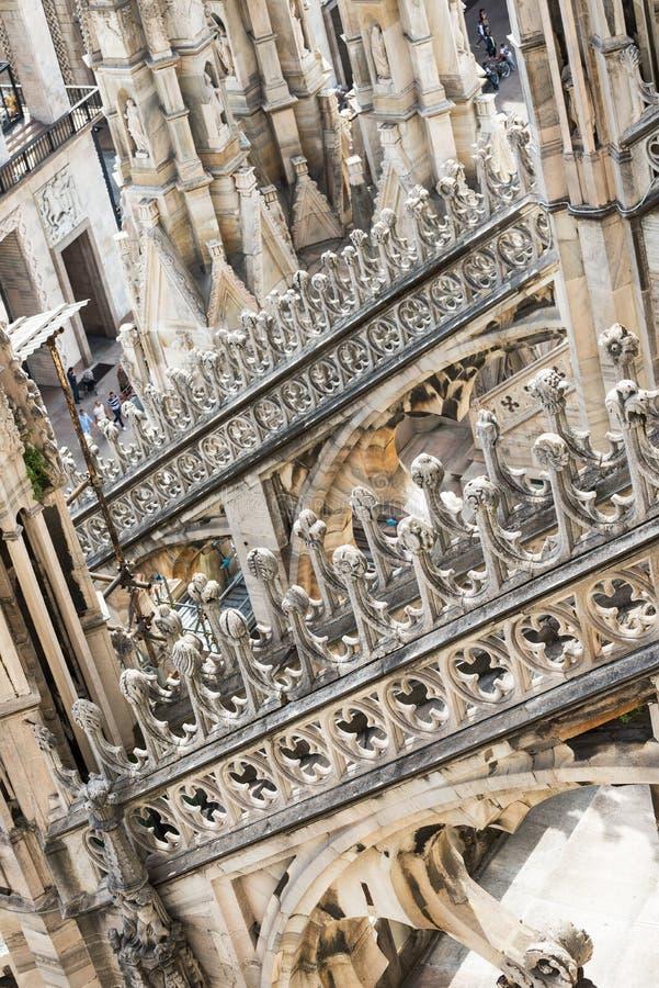 Крыша собора Duomo в милане стоковые фотографии rf