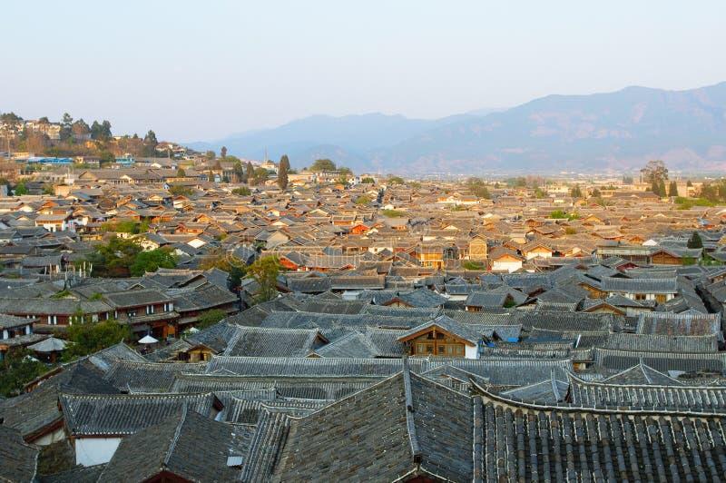 Крыши городка lijiang старого, yunnan, фарфора стоковые фотографии rf