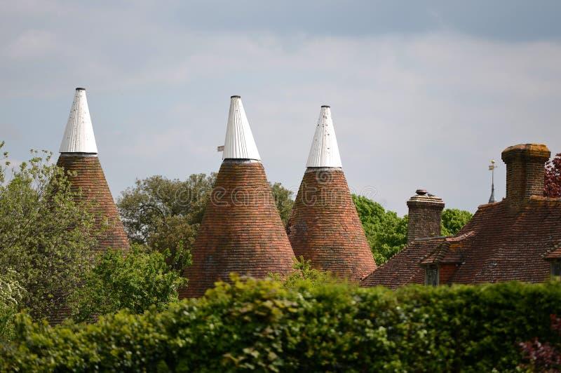 Крыши дома Oast стоковые изображения rf
