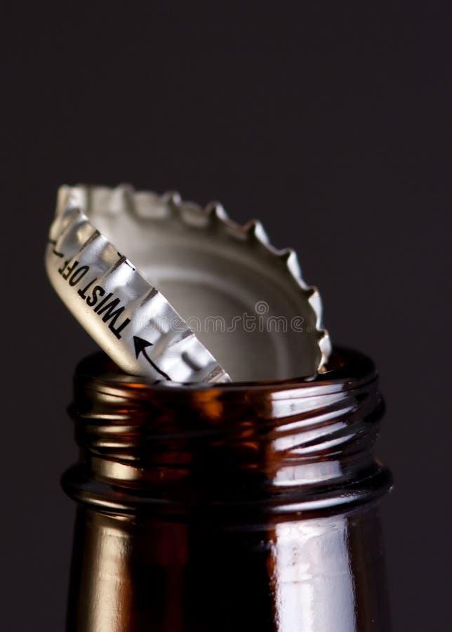 крышка бутылки пива стоковые изображения rf