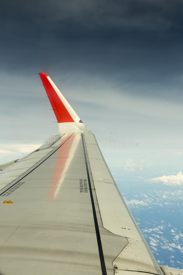 Крыло в небе стоковые изображения rf