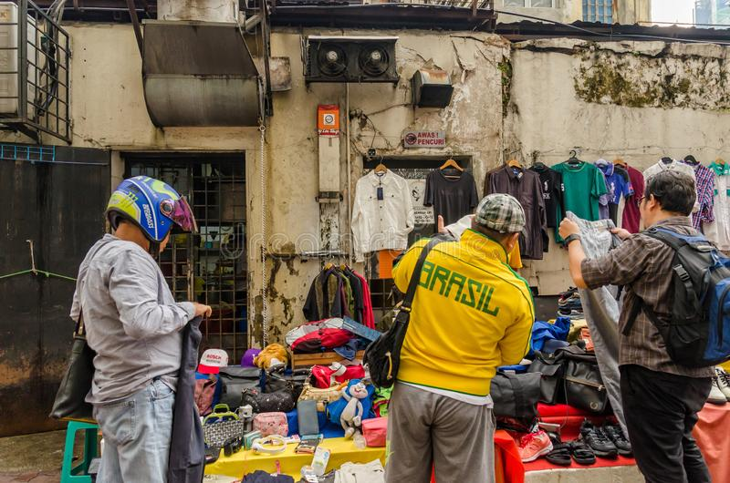 Куала-Лумпур, Малайзия - 5,2019 -го август: Карат Pasar блошиный рынок который расположен в Чайна-тауне, Куалае-Лумпур стоковые фото