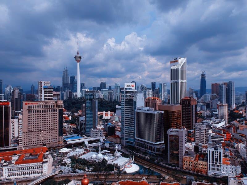 Куала-Лумпур, Малайзия - 28-ое декабря 2017: Вид с воздуха горизонта города Куалаа-Лумпур стоковое изображение