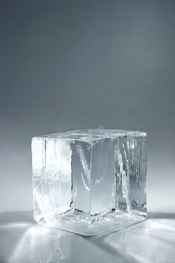 Кубик льда стоковые изображения