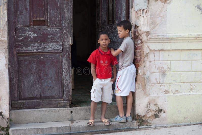 2 кубинських мальчика стоковые фото