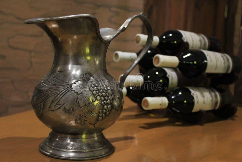 Кувшин вина стоковые фотографии rf