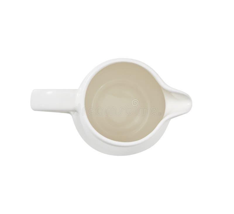 Кувшин для молока бело над взглядом Для кофе изолировано конструируйте ваше стоковые фотографии rf