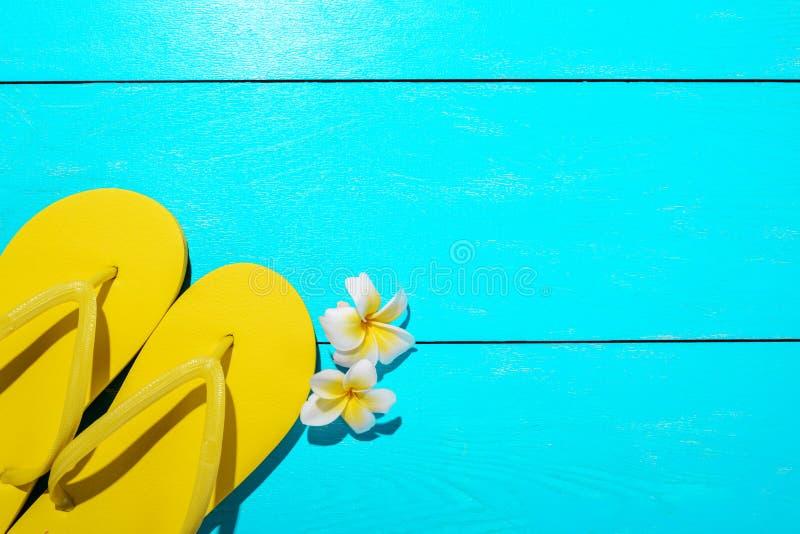 Кувырки и цветок стоковое фото