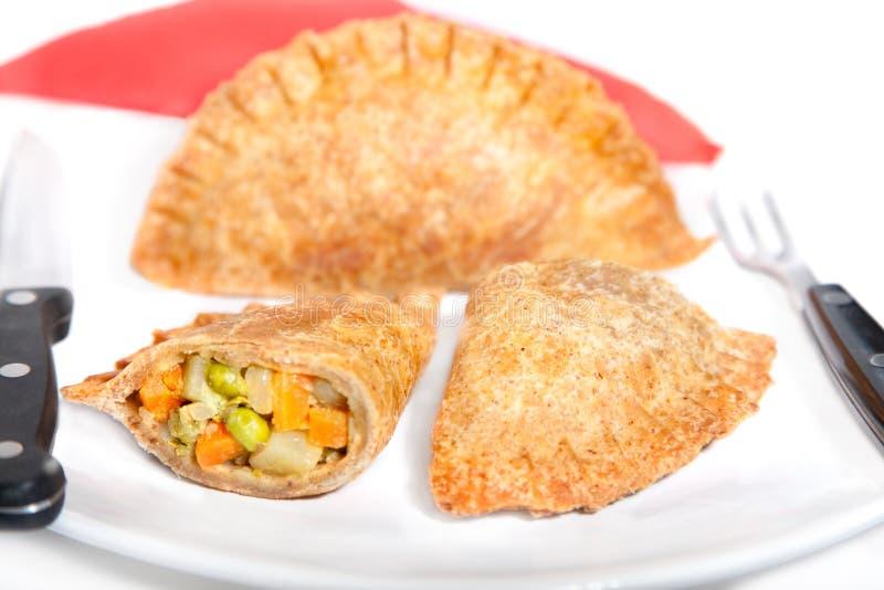Кудрявое Vegetable samosa заполняя с vegatable стоковое изображение