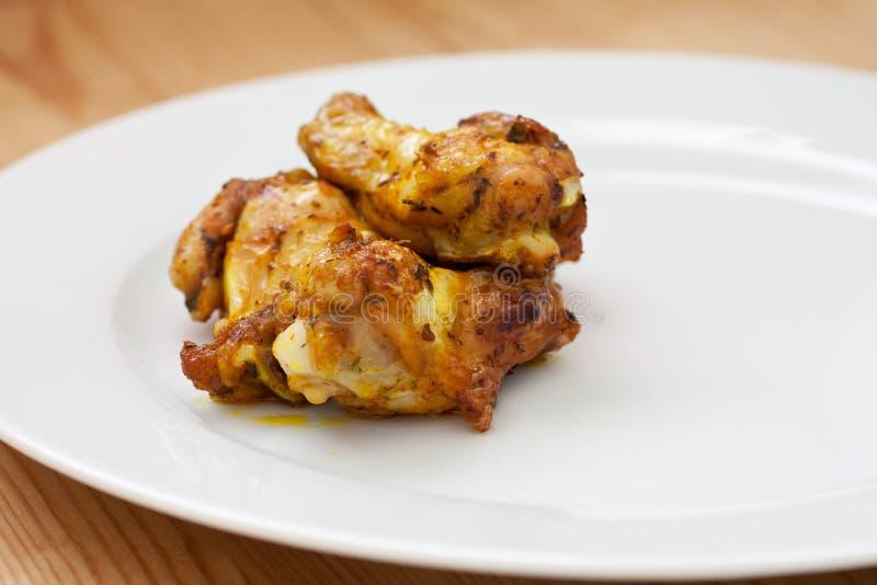 Кудрявый цыпленок bbq стоковое изображение rf